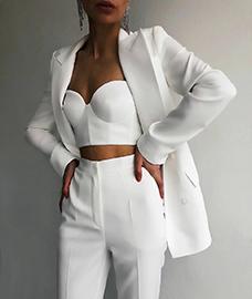Как правильно носить белый цвет